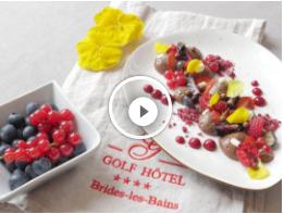 Mousse légère au chocolat et fruits rouges